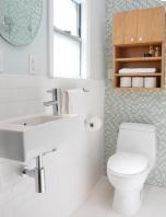 Шкаф над тоалетна