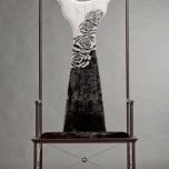 Élégante chaise en fourrure by Zhu Xiaojie