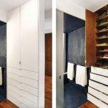Наразаният на много чекмеджета супер практичен шкаф визуално спомага за разделянето на банята от дрешника и спалнята.